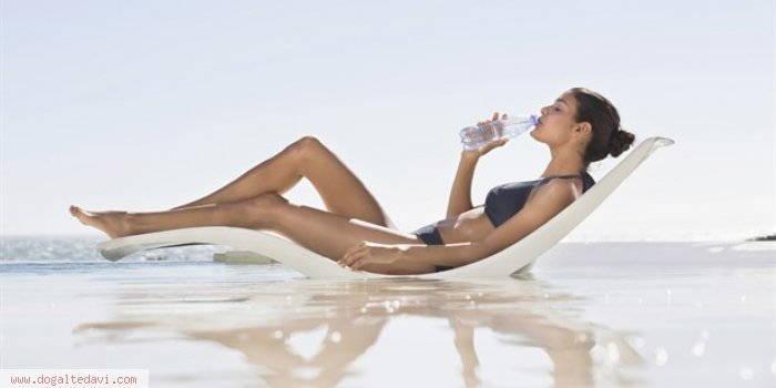 plajda-bu-besinlerle-kendinizi-yenileyin-QjCzt-700x350w123